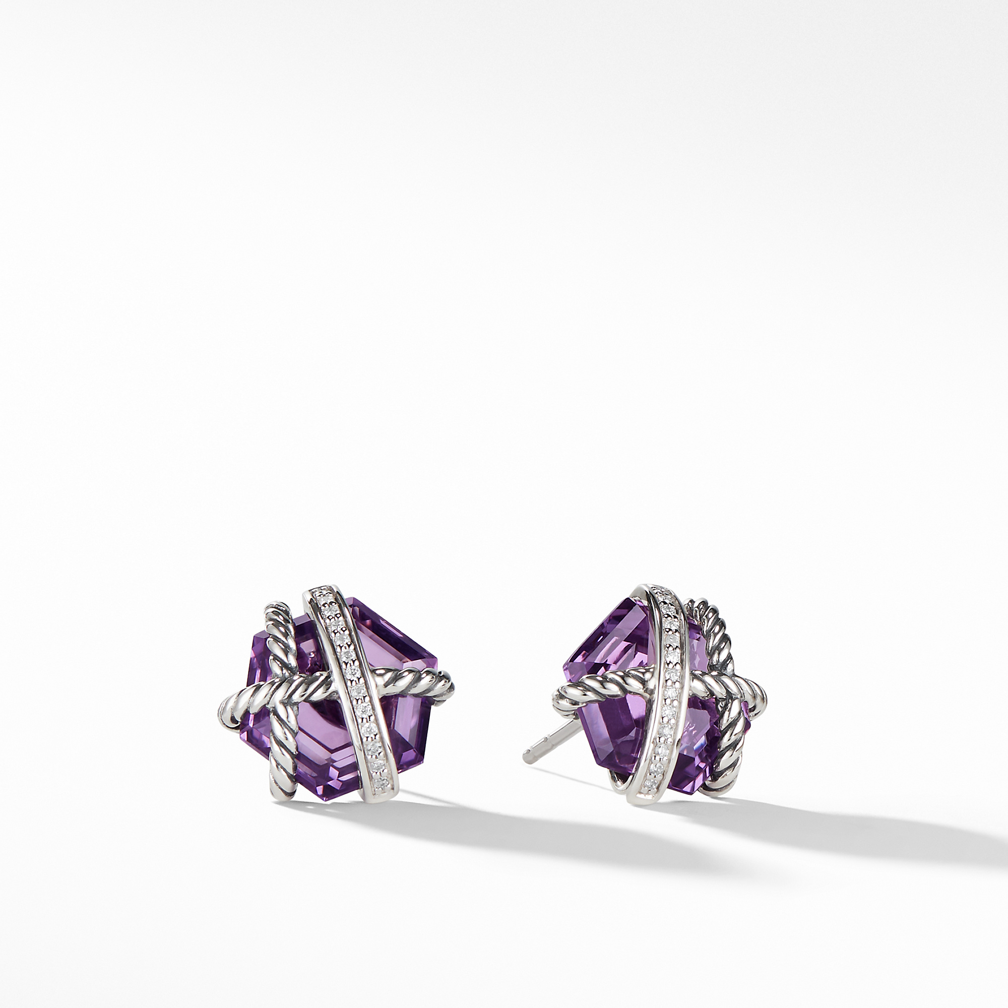 https://www.leonardojewelers.com/upload/product/E11345DSSAAMDI.jpg
